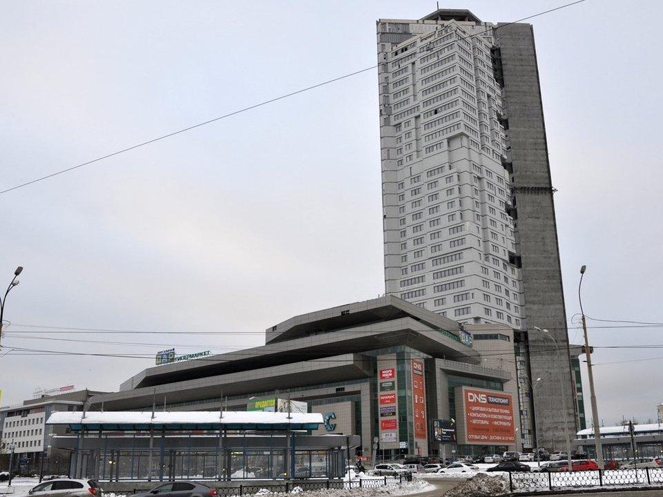 Мэрия Екатеринбурга требует снести часть офисного центра у вокзала