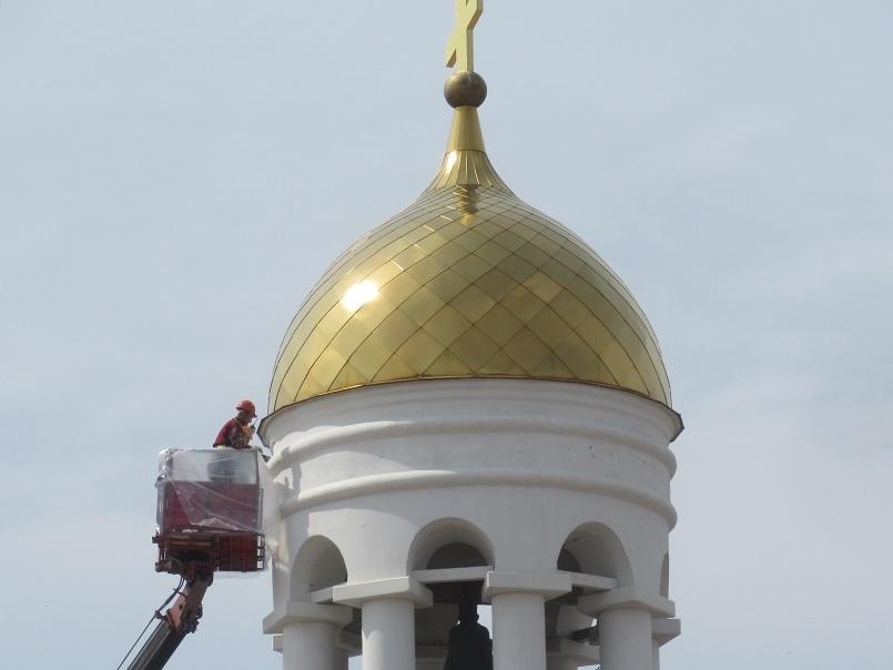В Каменске-Уральском обновили фасад храма Александра Невского