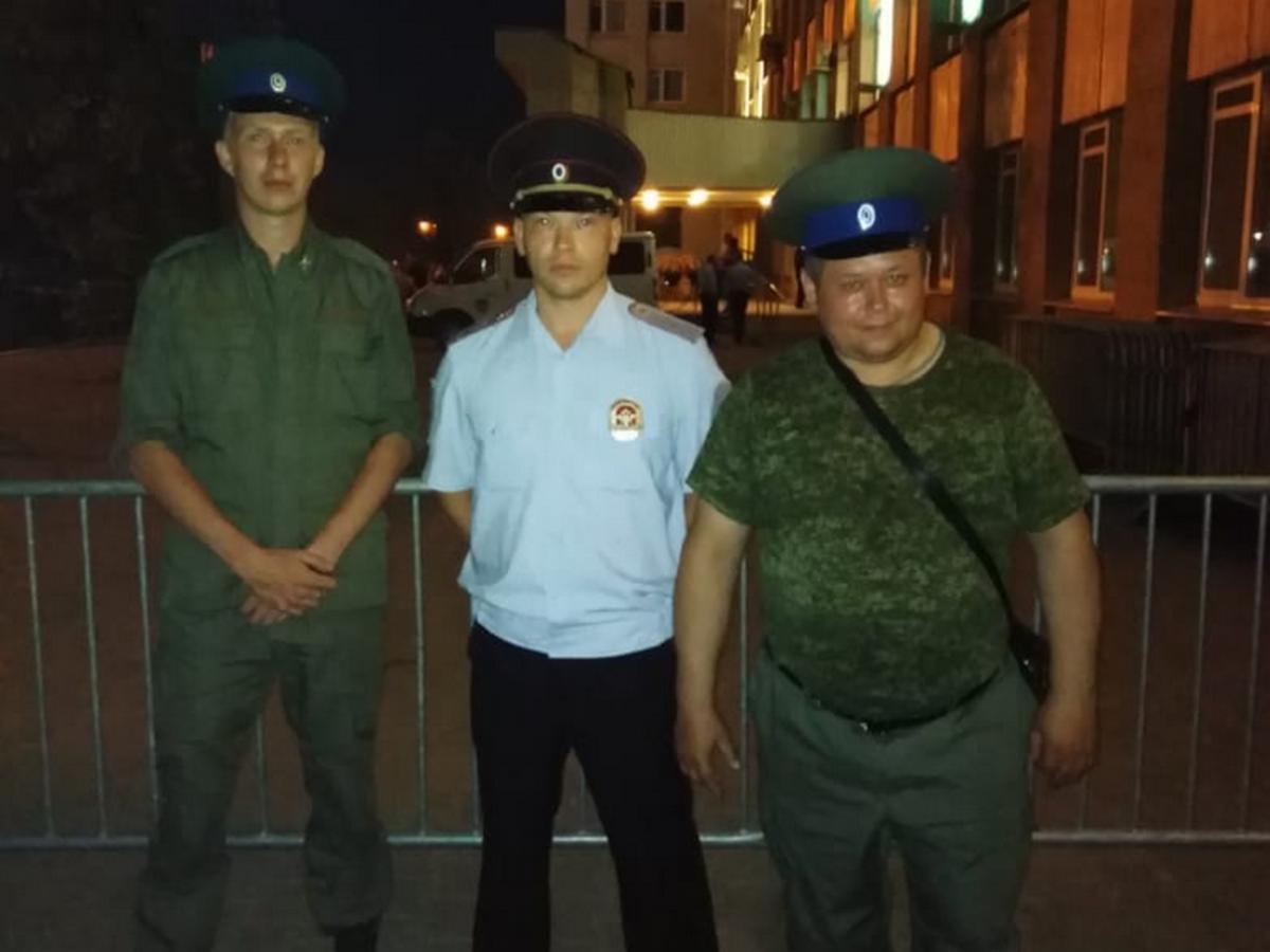 Каменская полиция поблагодарила народных дружинников и сотрудников ЧОП