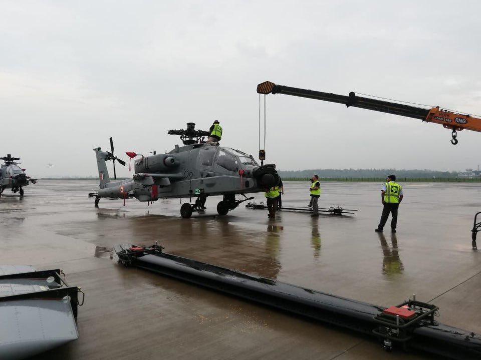 Боевые вертолеты AH-64E Apache