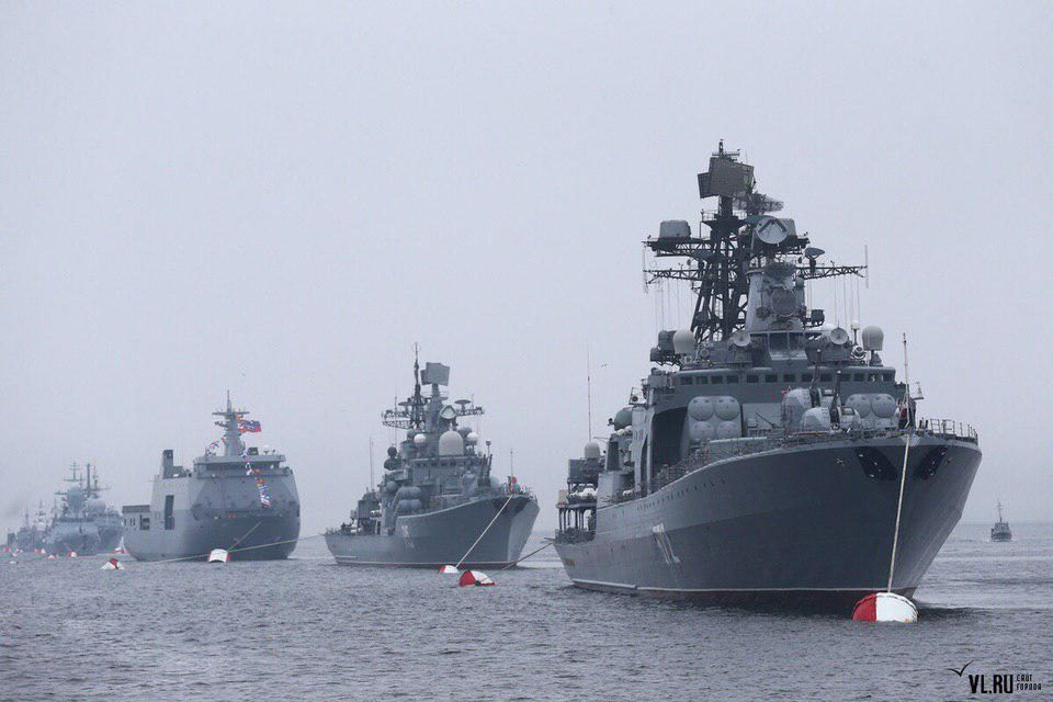 Парад во Владивостоке ко Дню ВМФ