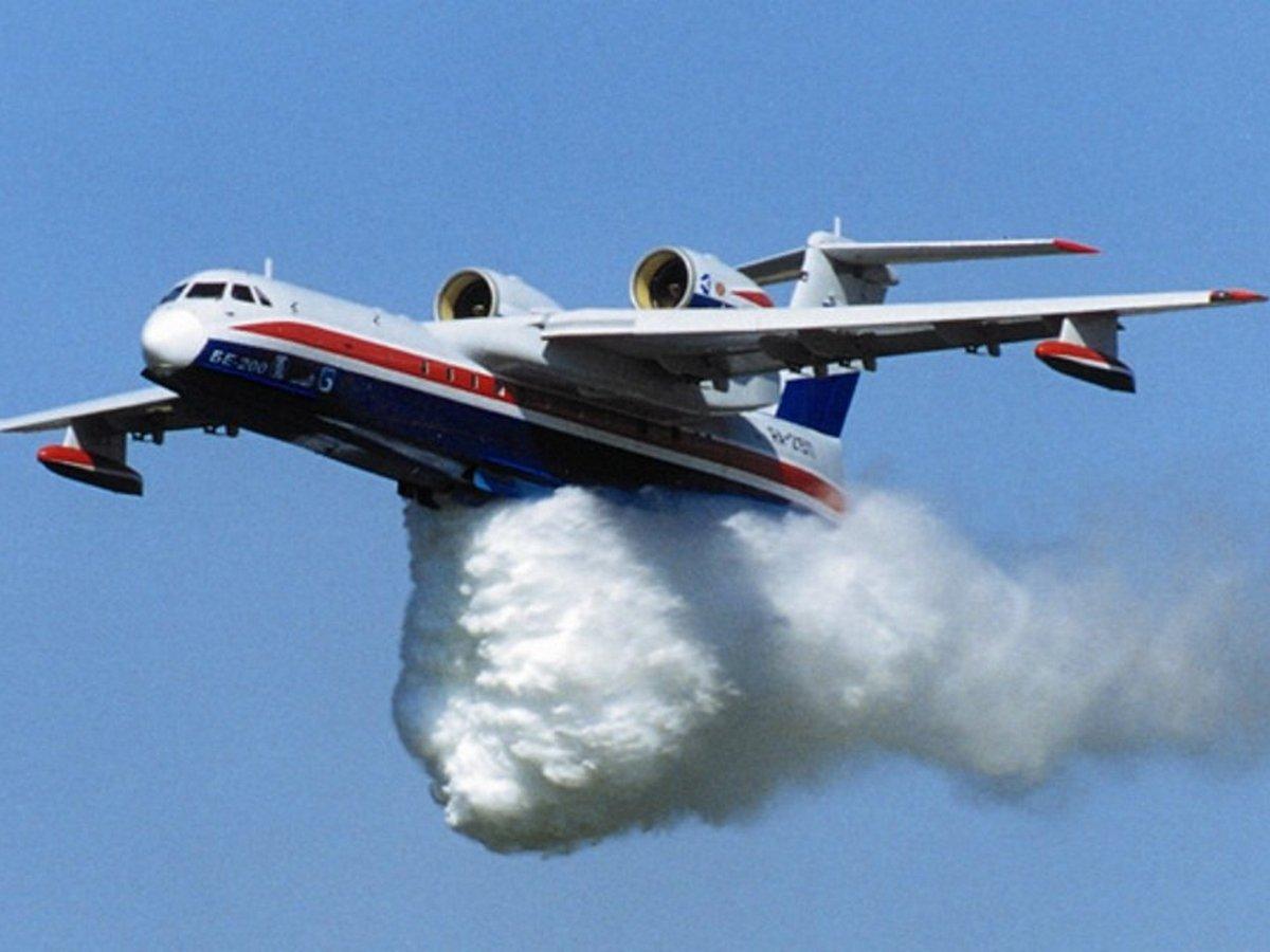 Авиация МЧС начала тушить лесные пожары в Сибири