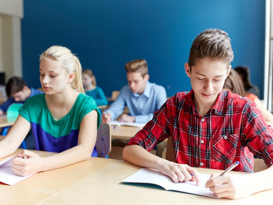 Родители каменских школьников возмутились новыми правилами приема в 10 класс