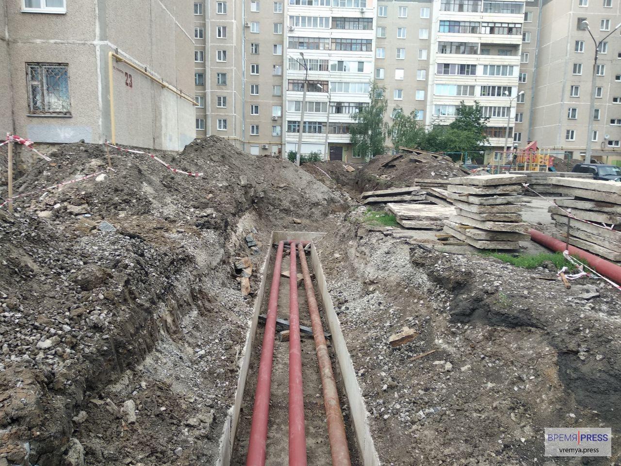 Перекладка тепловой сети стартовала во дворе по Суворова, 23