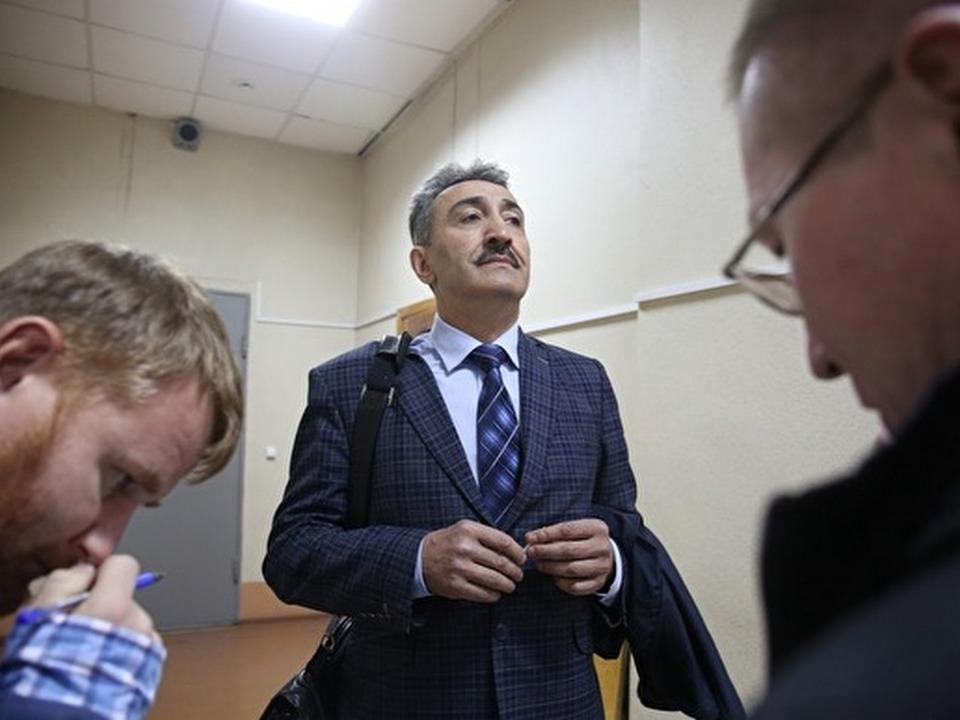 Адвоката из Екатеринбурга осудили за взятку в 5 миллионов рублей
