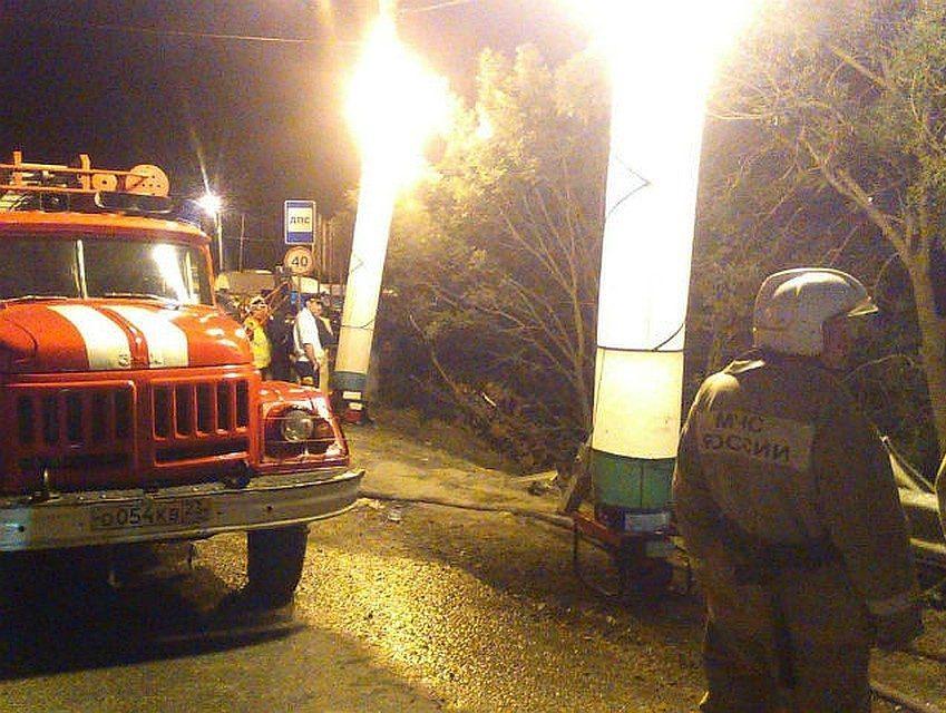 В Новороссийске с обрыва слетел пассажирский автобус с туристами
