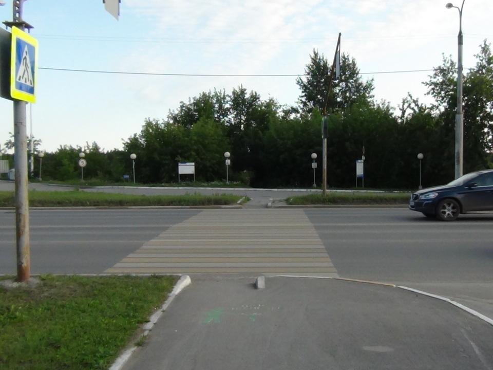 В Каменске-Уральском автомобилистка сбила 7-летнего велосипедиста на пешеходном переходе