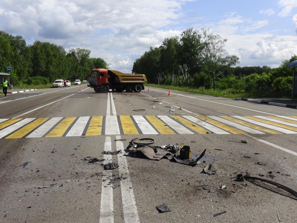 Из-за уснувшего за рулём водителя в аварии под Каменском-Уральским пострадали двое
