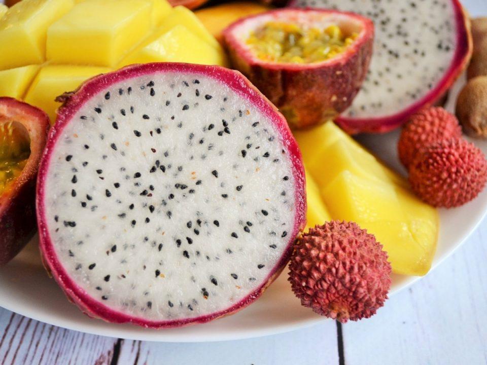 Правительство ввело новые правила ввоза овощей и фруктов в Россию