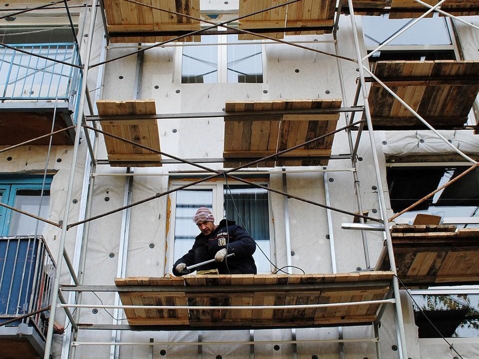Капремонты ведутся в 65 многоквартирных домах Каменска-Уральского