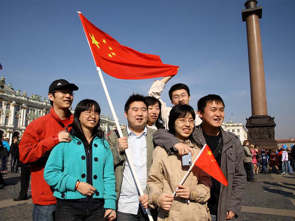 Китайцы активнее остальных туристов тратят деньги в России