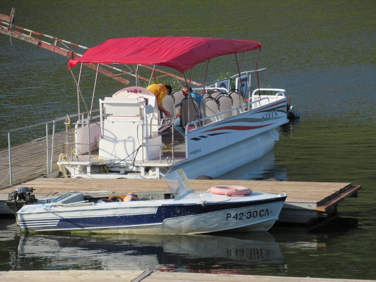 Каменск-Уральский приобрёл новый кораблик для путешествий по Исети