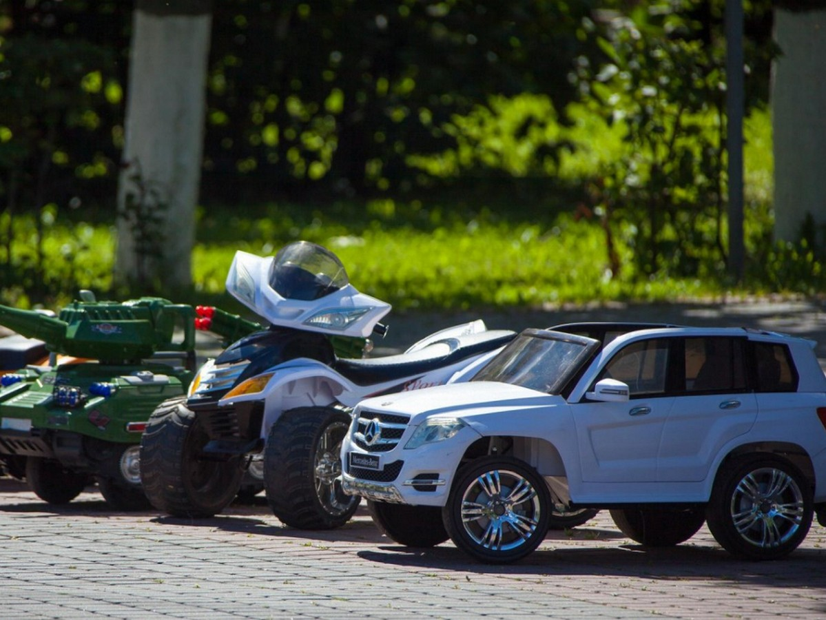 Ребёнок с синдромом Дауна на игрушечной машинке сбежал из садика в Нижнем Тагиле