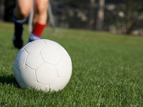 В Каменске продолжается открытое первенство УАЗа по футболу