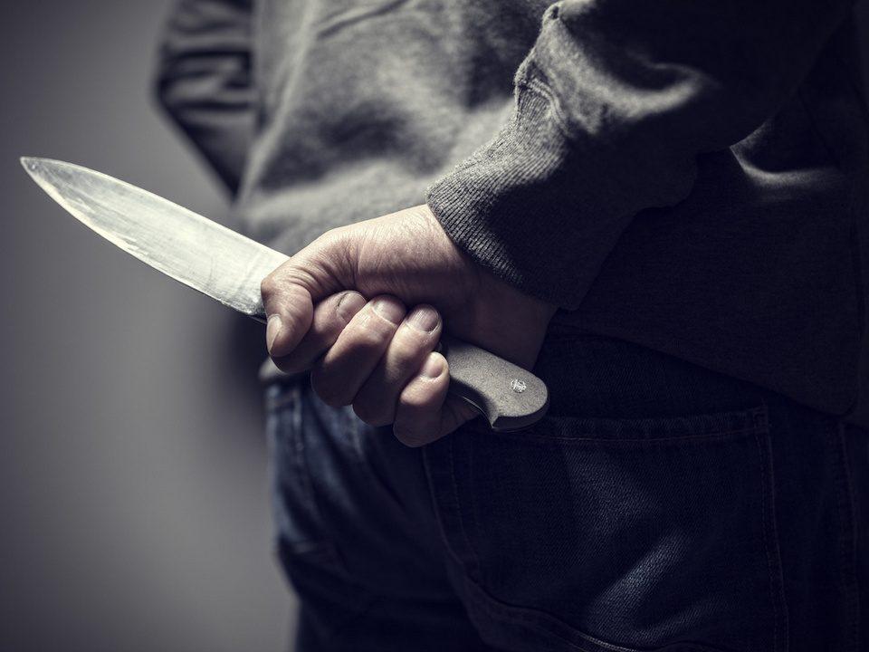 Житель Свердловской области отрезал ножом язык жене