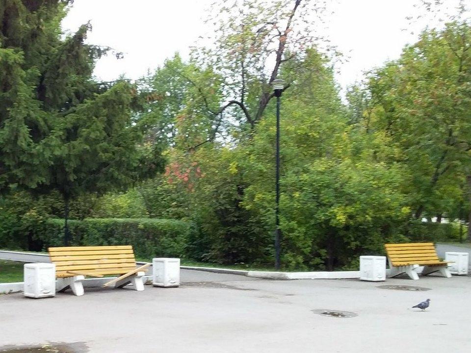 По обновлённому парку на Трубном уже прошлись вандалы