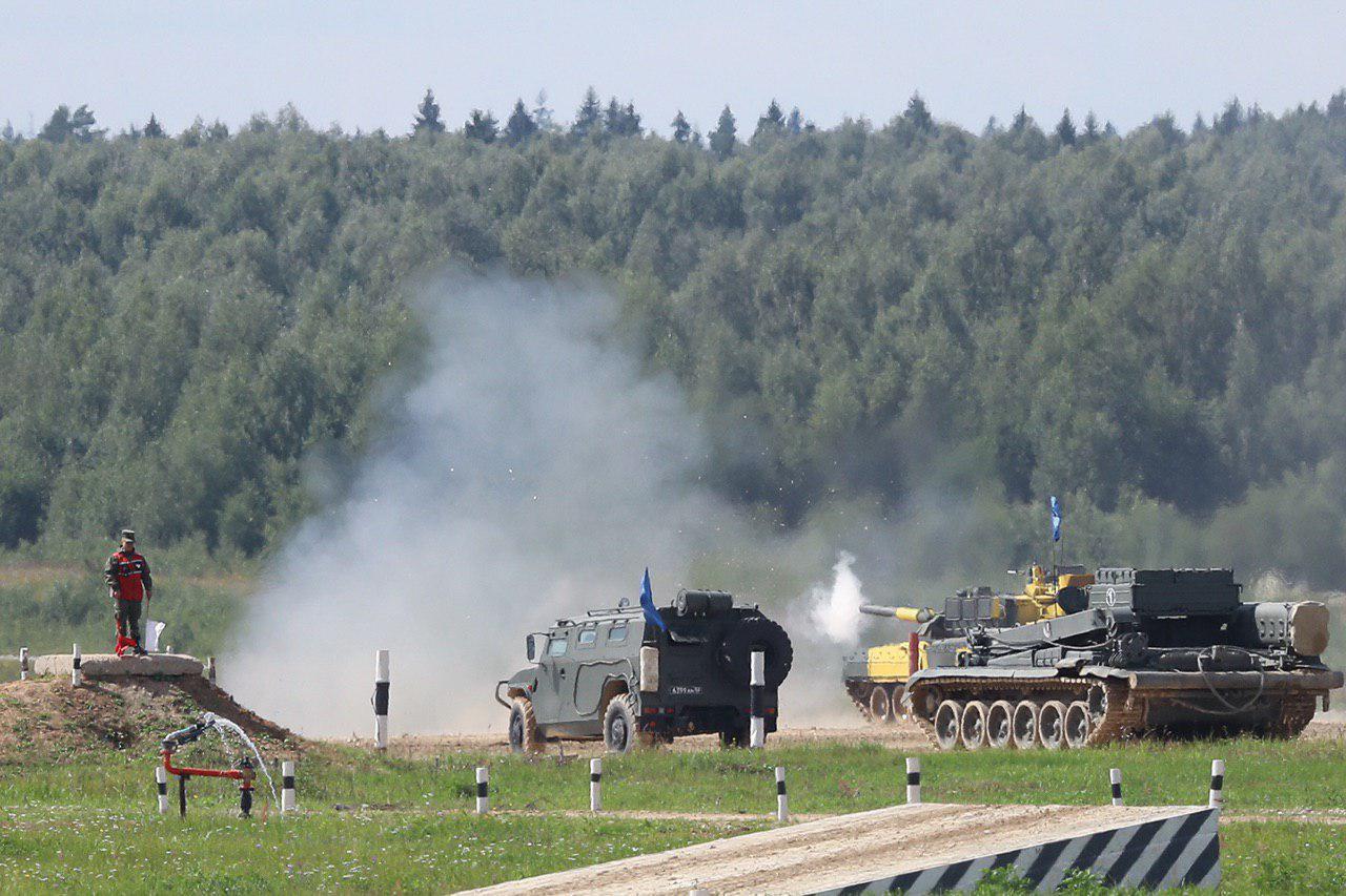 Танковый биатлон прошел в рамках АрМИ-2019