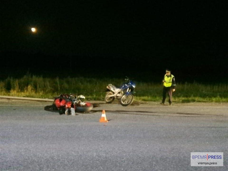 Байкеры погибли на трассе под селом Покровским03