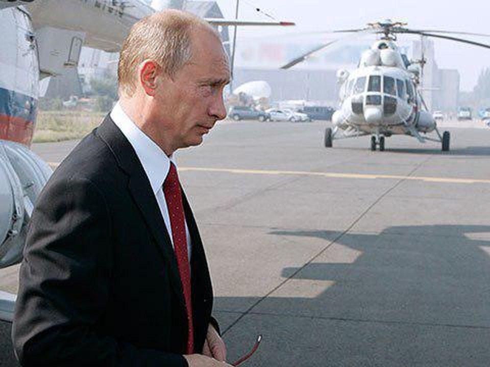 Владимир Путин отказался лететь на французском вертолете в резиденцию Макрона