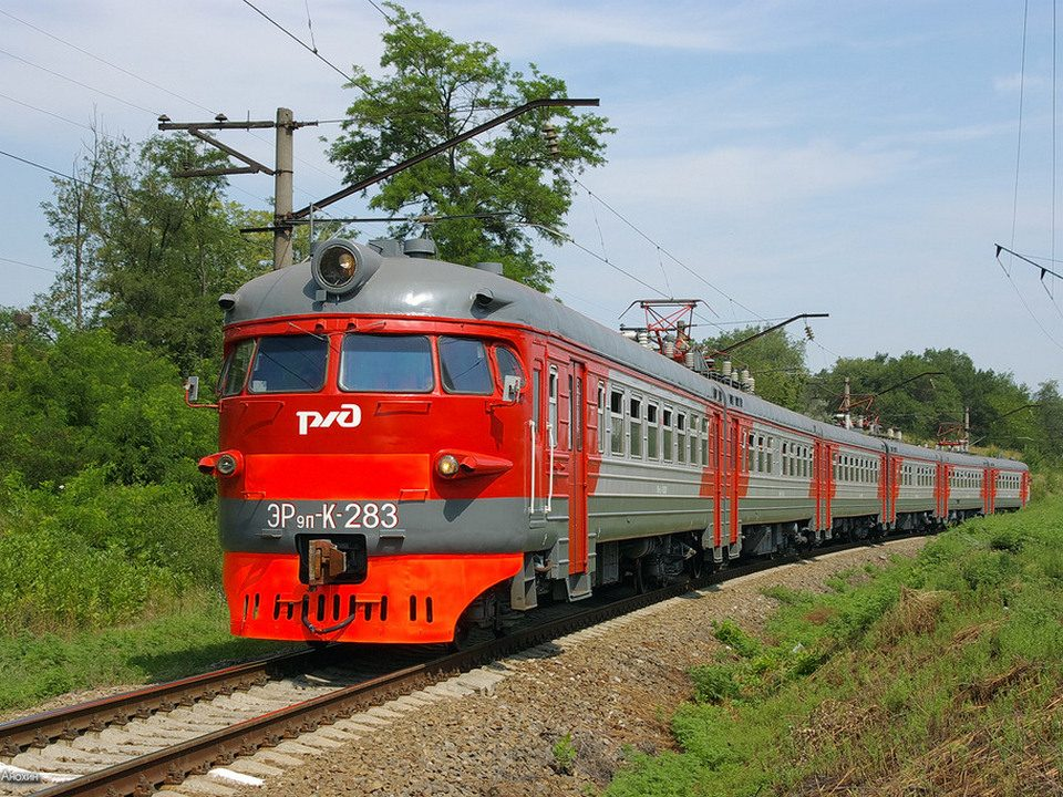 Поезд сбил мужчину в Каменске-Уральском