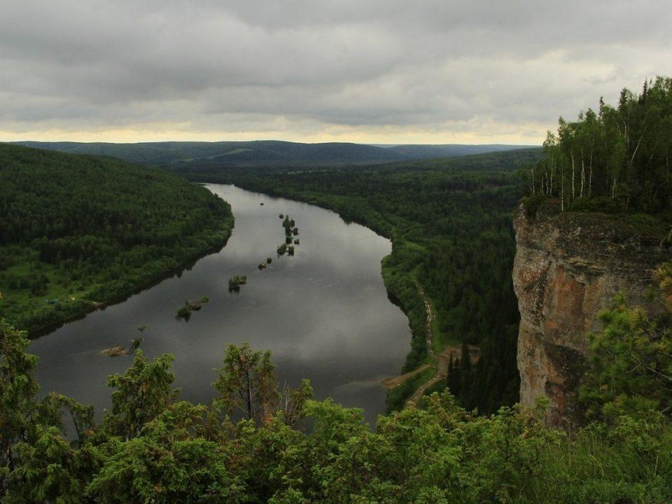 На Урале двое взрослых и трое детей утонули, добираясь на лодке до посёлка