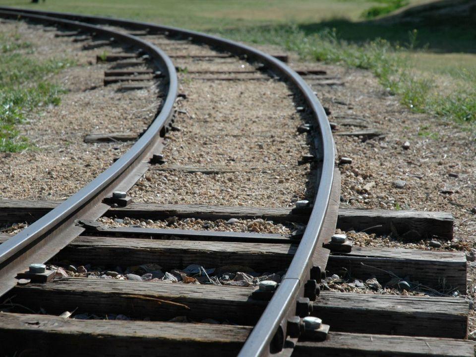 94-летняя пенсионерка из Каменска погибла под колёсами поезда в Екатеринбурге