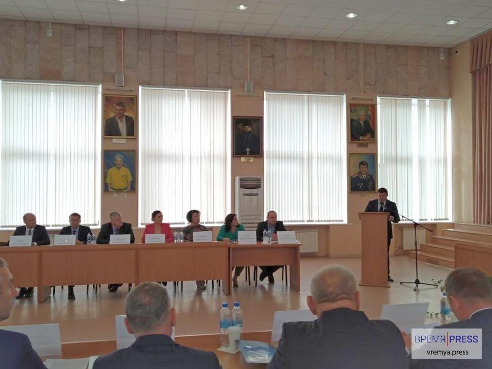 В Каменске-Уральском растёт количество школьников