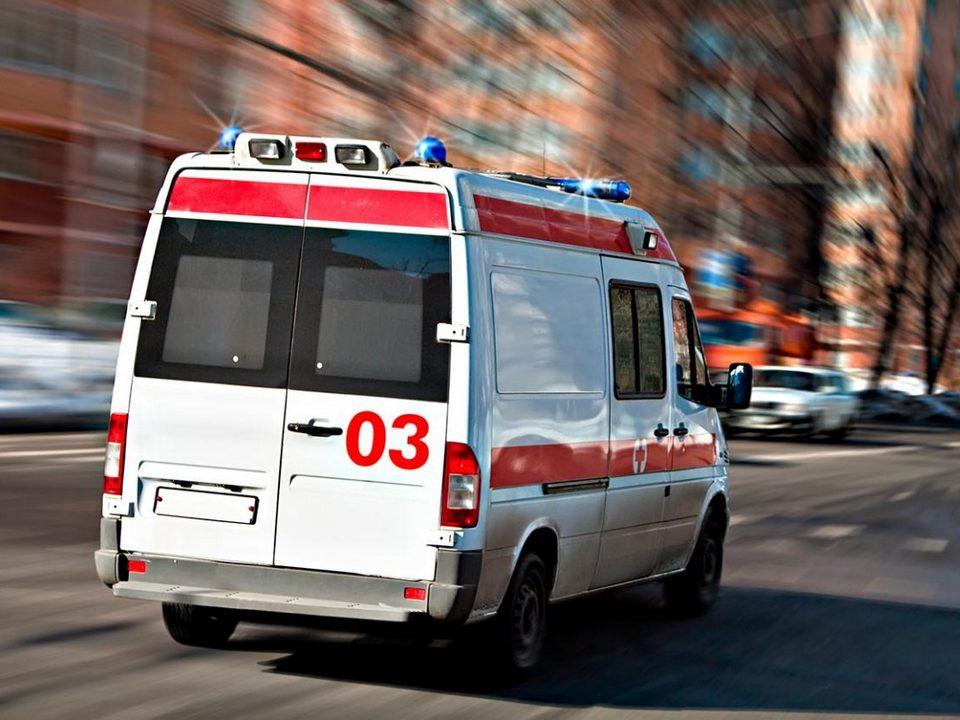 Водитель автобуса в Подмосковье протаранил остановку