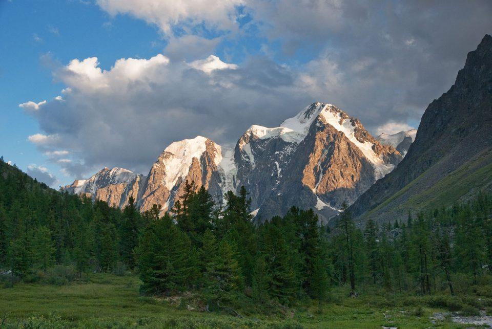 В горах Алтая погибла туристка из Екатеринбурга