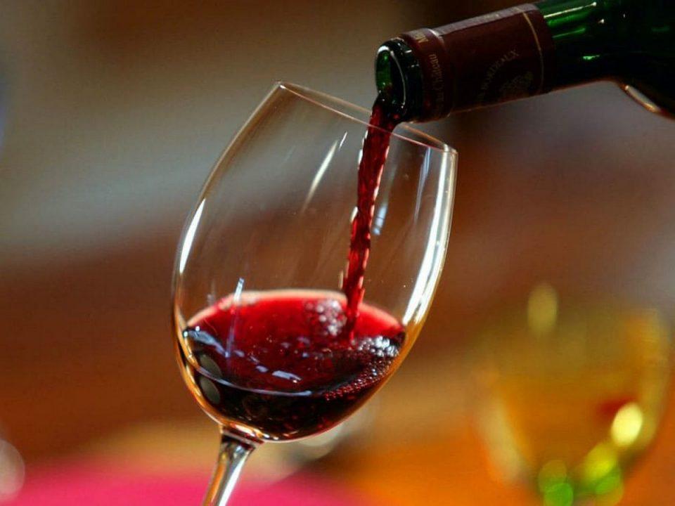 Врачи опровергли миф о пользе ежедневного употребления красного вина