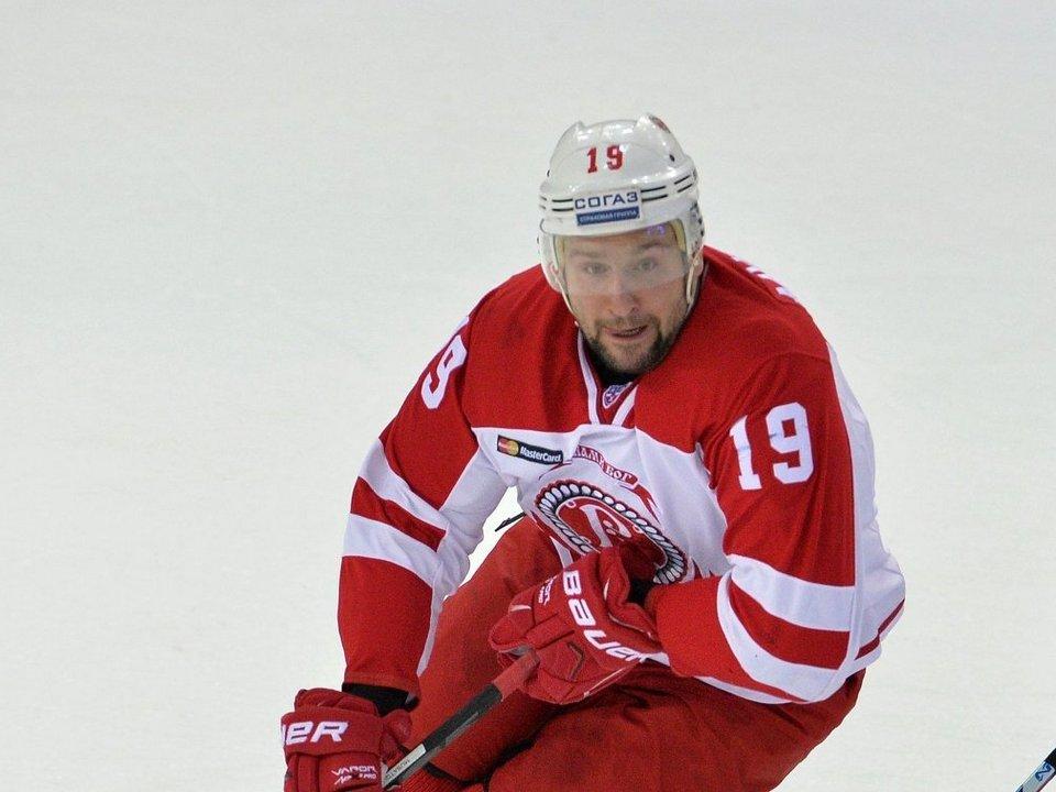 В Москве задержали хоккеиста Мусатова, находившегося в федеральном розыске