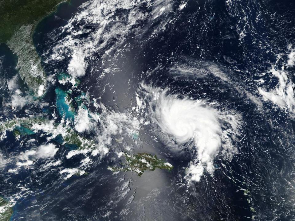 Власти США объявили эвакуацию жителей четырёх штатов из-за урагана Дориан