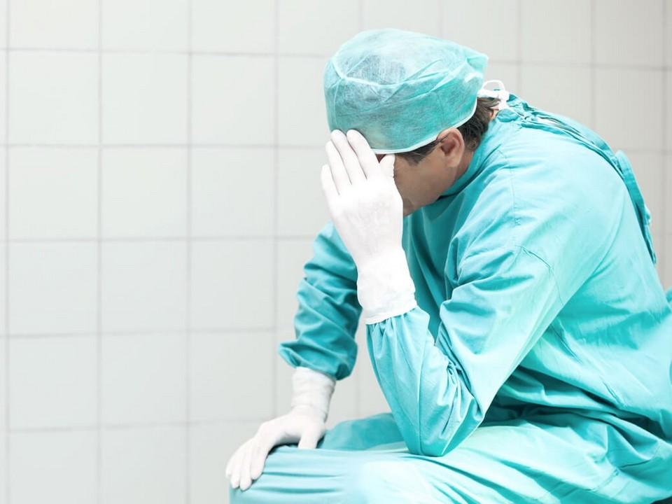 В Астрахани главврач избил сотрудницу детской областной клинической больницы