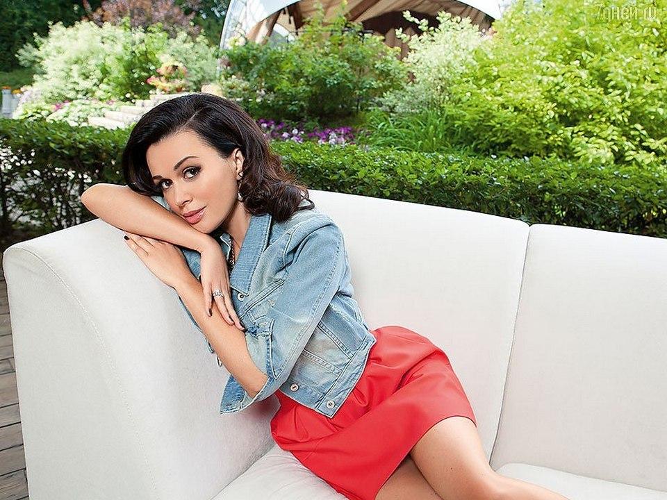 Концертный директор Заворотнюк заявил, что актриса все же появится на телевидении
