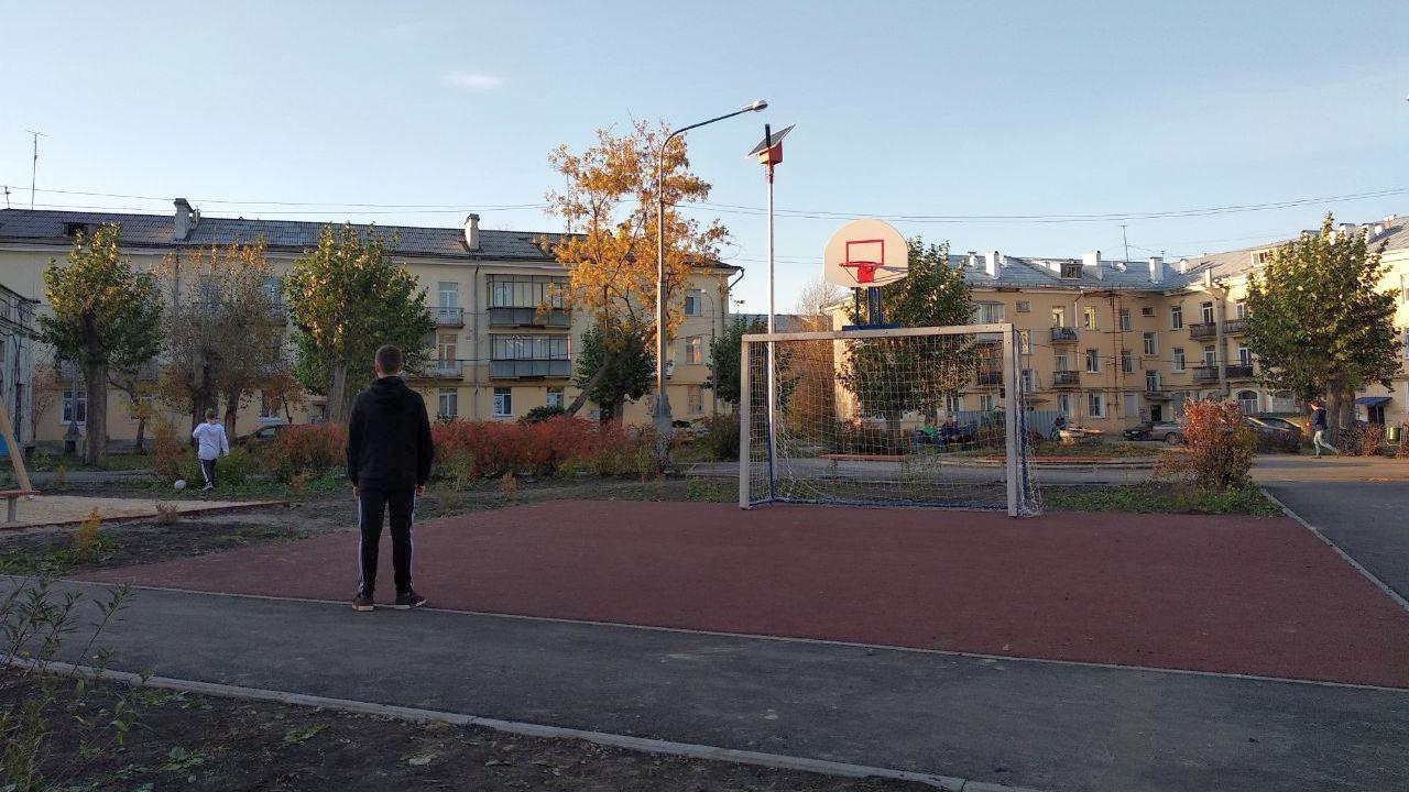 В Каменске-Уральском готов еще один двор по программе комфортной городской среды