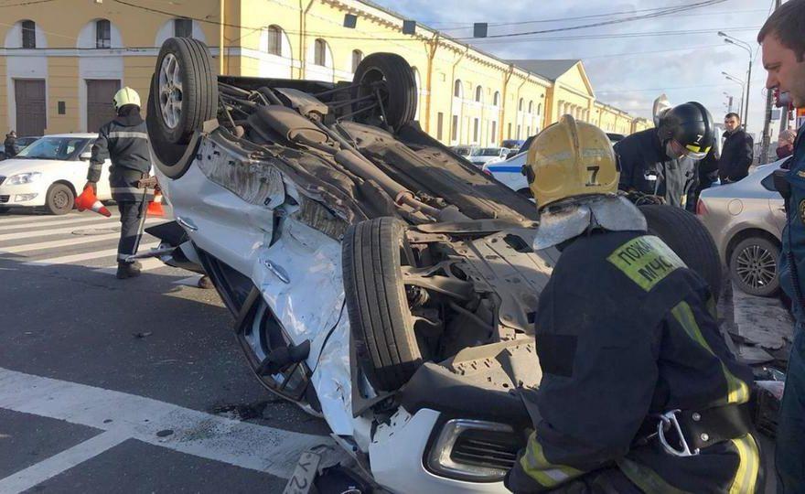 Жуткое ДТП в Санкт-Петербурге на пешеходном переходе попало на видео