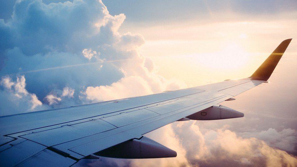 Пассажир рейса из Москвы в Красноярск умер во время полета
