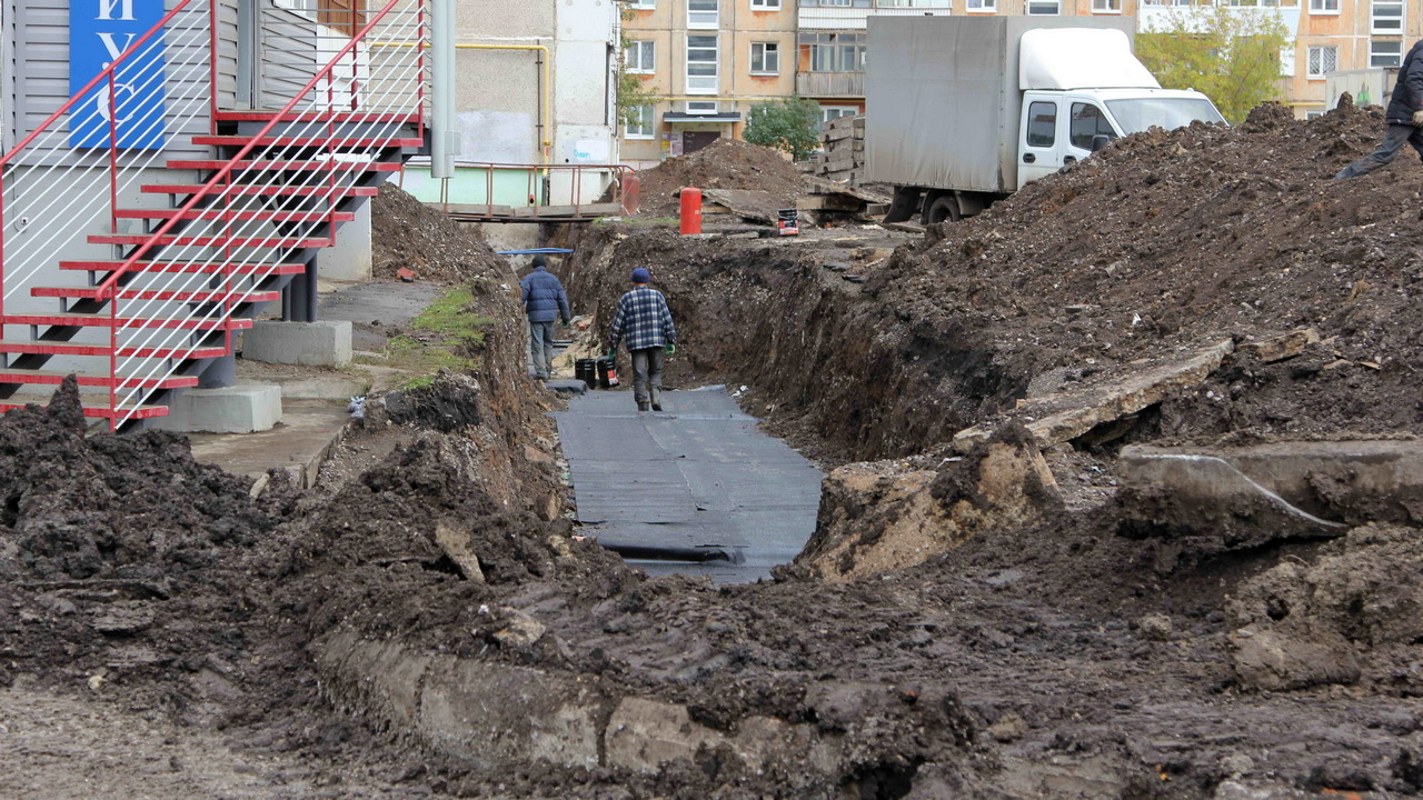 Благоустройство двора по Суворова, 23, идет активно