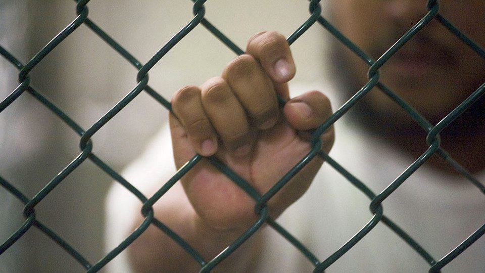 Трое преступников сбежали из тюрьмы в Калмыкии, чтобы попасть на день города в Астрахани