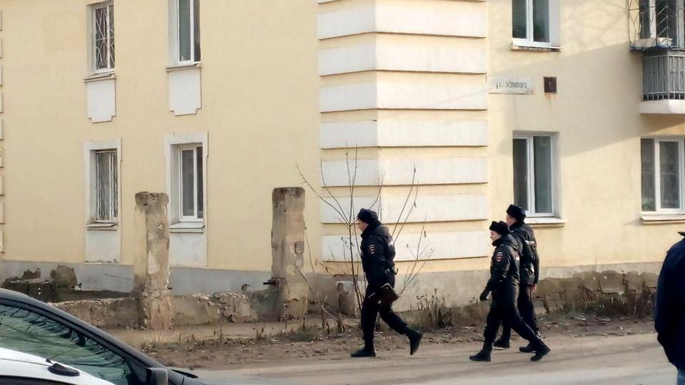 В Каменске-Уральском полиция опять ищет взрывное устройство