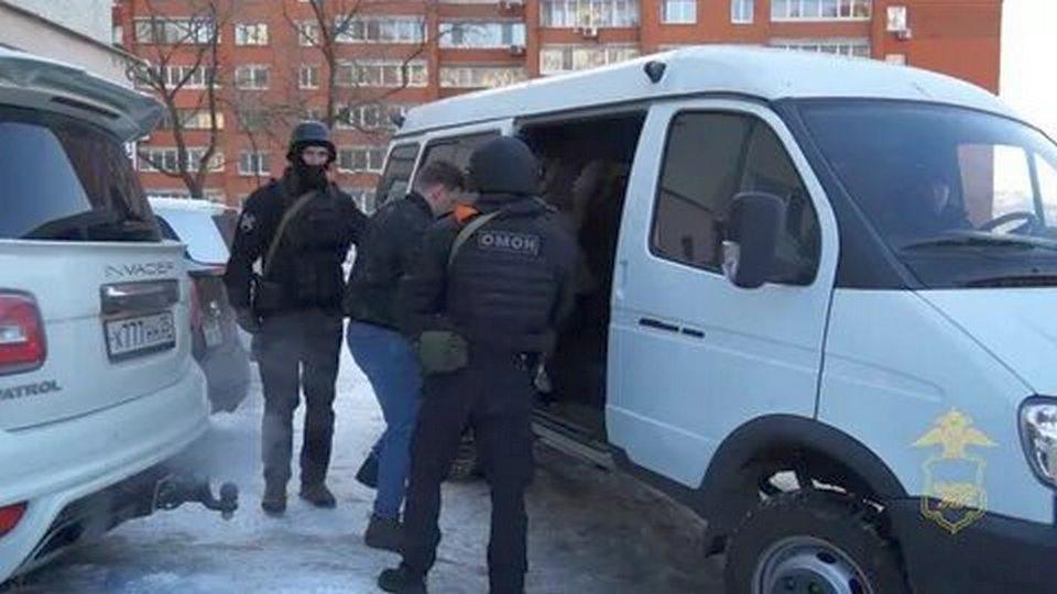 Во Владивостоке задержали молодоженов, устроивших стрельбу на свадьбе