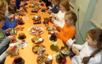 В Новосибирске девочку выгнали со школьного праздника, так как она не сдала деньги