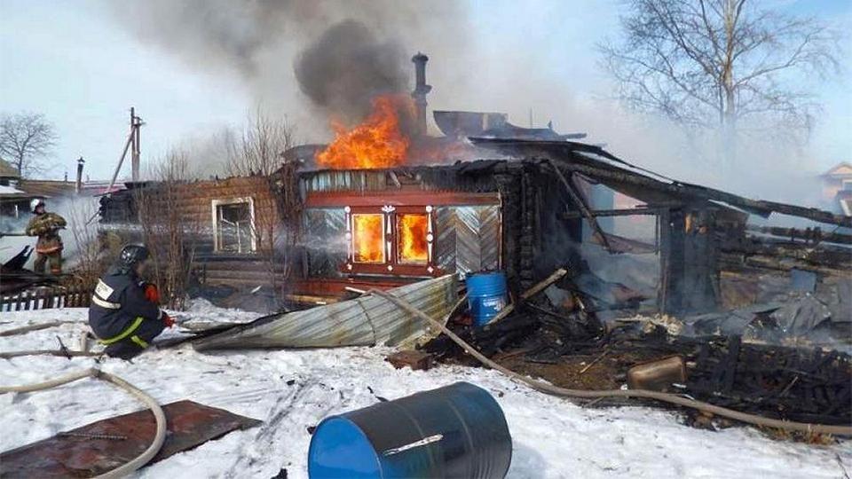 В Хакасии начальник пожарной службы поджигал дома для подчиненных на профпригодность