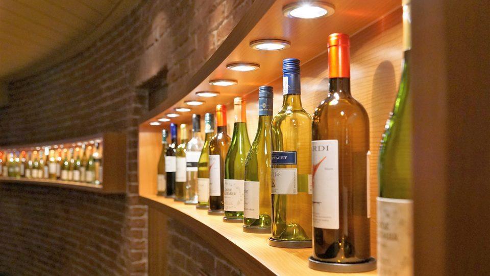 Минздрав рассмотрит предложение о сокращении времени продажи алкоголя в РФ