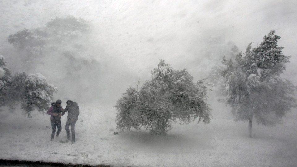 Сильный снегопад надвигается на север Свердловской области