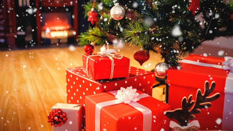 Россияне тратят в среднем 1600 рублей на подарки детям к новому году