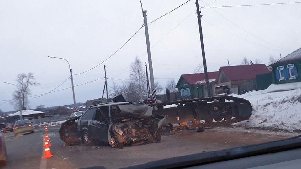 Серьёзное ДТП в деревне Златогорова под Каменском: есть пострадавшие