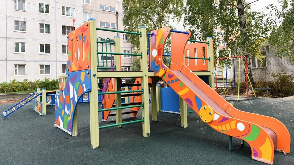 В Каменске-Уральском появятся новые детские площадки во дворах