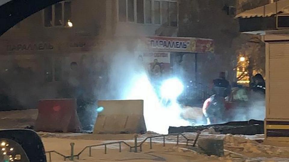 Коммунальщики Каменска-Уральского устраняют аварию, оставившую без отопления часть Синарского района