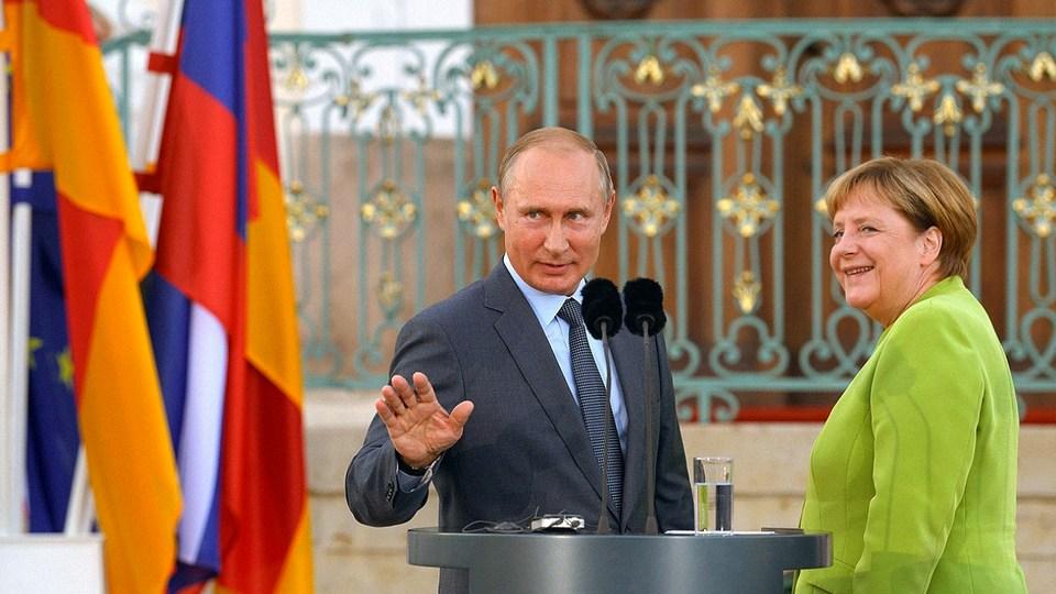 Меркель встретится с Путиным 11 января